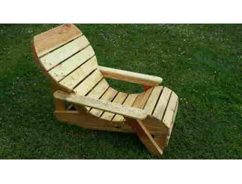 Le fauteuil relax tuto palette - Chaise longue en palette bois ...