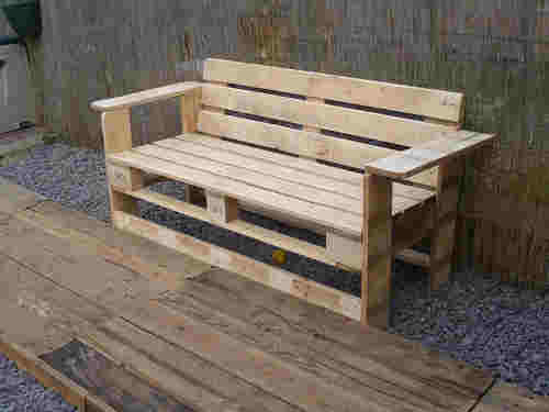 Tuto chaise longue palette plans t l charger for Banc de jardin en palette